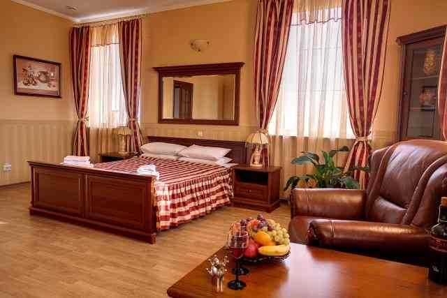 Фото - Срочно продам действующий отель в г.Киев