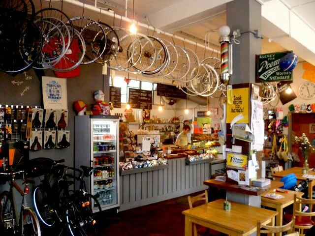 Фото - Создать в каждом городе Украины велосипедное кафе.