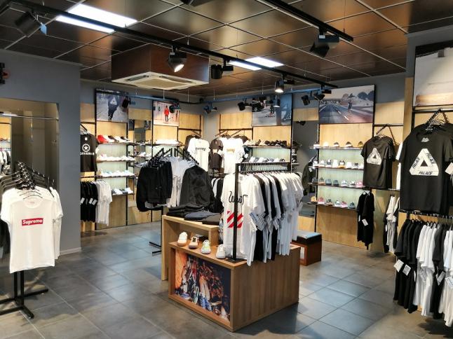 Фото - Продажа брендовой обуви, одежды, аксессуаров