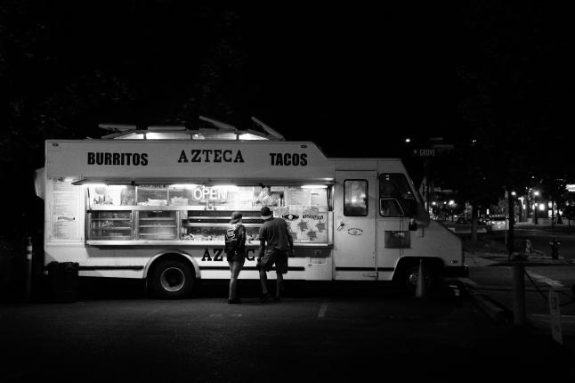 Фото - Ресторан на колесах FoodTruck