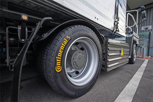 Фото - Tire Service