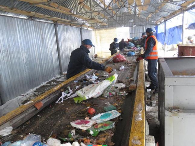 Фото - Облаштування сміттєзбирального комплексу