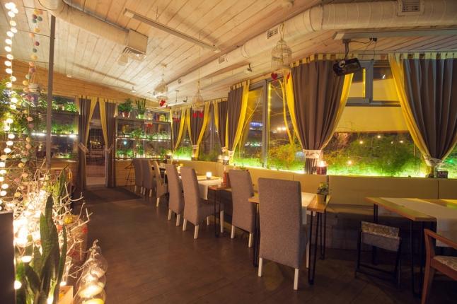Фото - Ресторан с фьюжин кухней, бар, кальяны