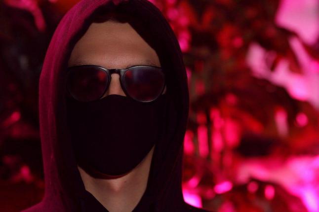 Фото - Мы надеваем маски, дабы стать собой.