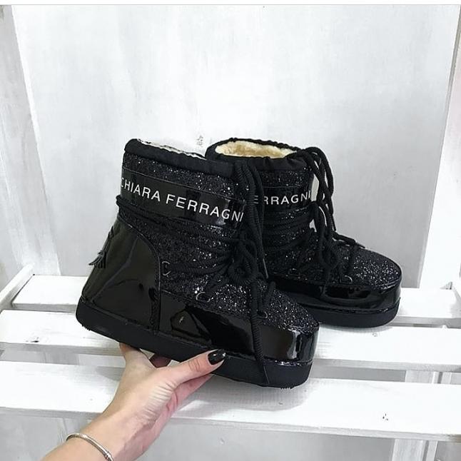 Фото - Шоурум.Продажа:одежды и обуви.