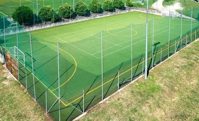 Фото - Строительство мини-футбольных площадок для аренды.