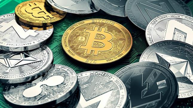 Инвестиции в криптовалюты и торговля ими на бирже.