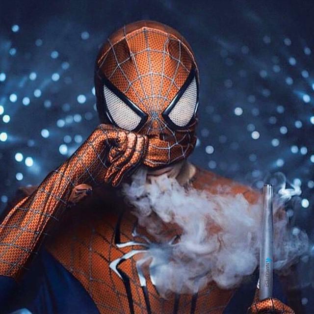 Фото - Дизайнерские кальяны в стиле супергероев Marvel